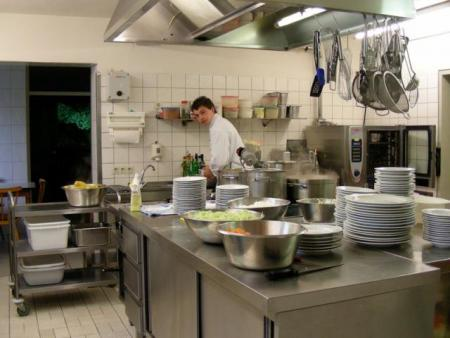 Die Küche im Landgasthof